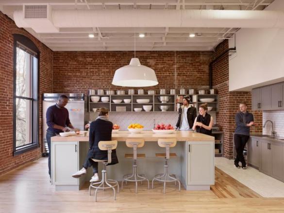 airbnb-portland-office-customer-experience-designboom-07